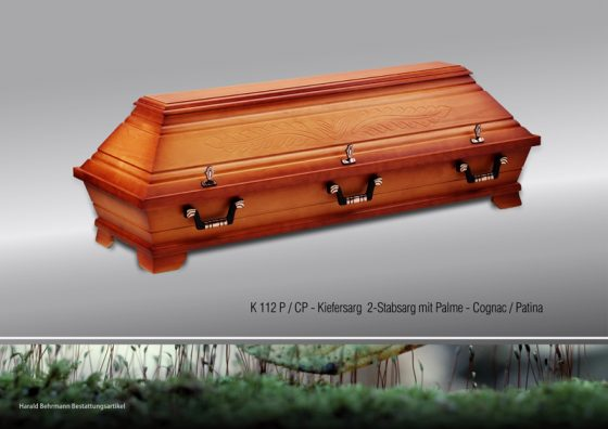 Kiefersarg 112, Zweistab mit Palmenschnitzung cognac/patina